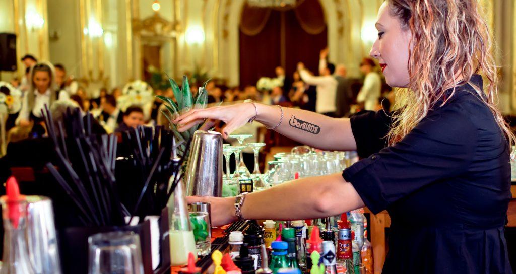 cocktail bar mobil tematic